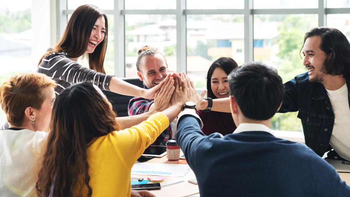 Genç profesyoneller olarak staj konusunda, iş konusunda ve mentorluk ilişkilerini doğru bulmak için her zaman ağ bağlantınız olması gerektiğini duyarsınız.